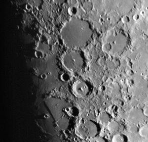 آموزش نجوم توسط محمد همایونی : دهانه های ماه و دیوار بزرگ