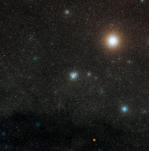 خوشه جعبه جواهر NGC 4755 از دید DSS2
