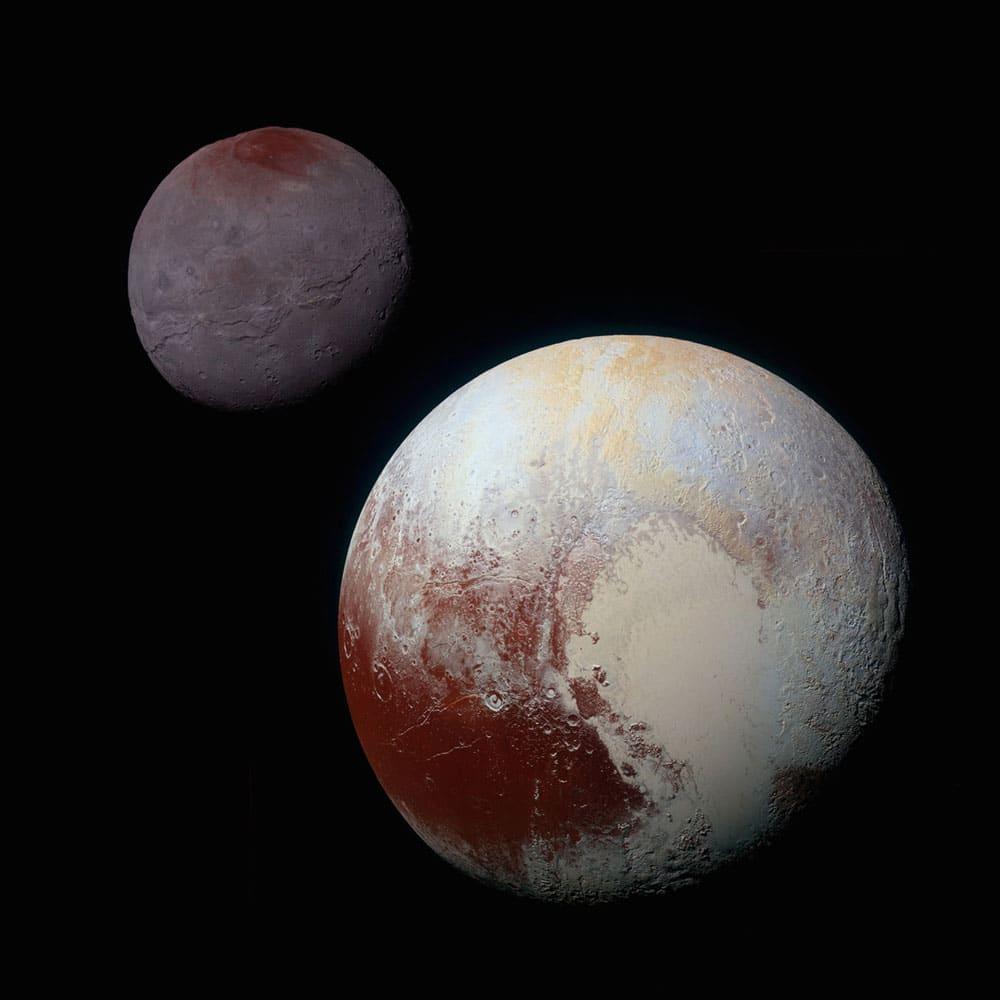 تصویر افق های نو از پلوتون و قمر کارُن