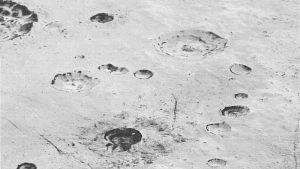 تصویر افقهای نو از دشتها و دهانههای پلوتون