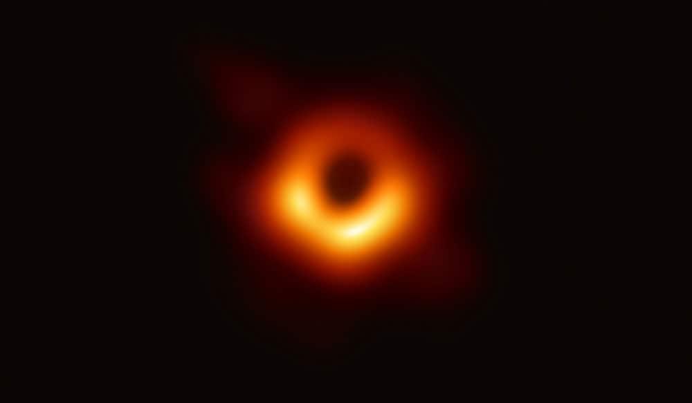 سیاه چاله ابرپرجرم در مرکز کهکشان M87