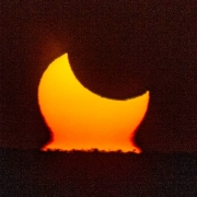 خورشید گرفتگی حلقوی 98