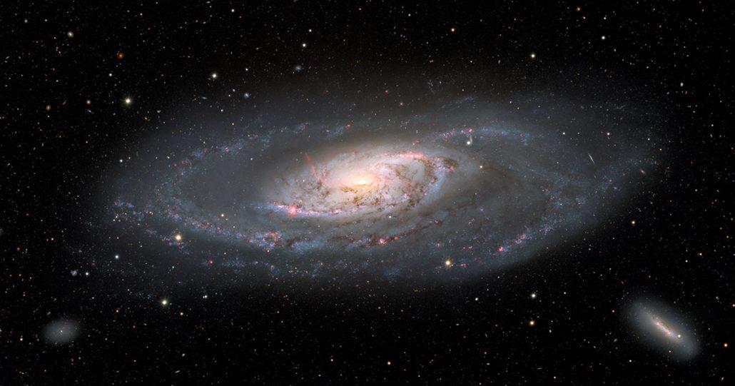 کهکشان مارپیچی M106